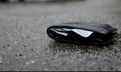 Trovano un portafogli con 3mila euro e lo restituiscono