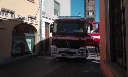 Incendio a Mozzanica, centro chiuso al traffico FOTO
