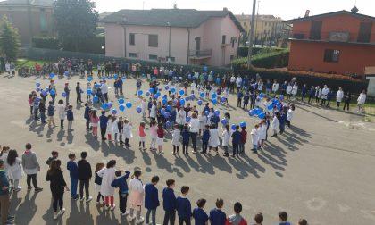 Giornata dell'autismo i bambini dedicano una canzone al loro compagno Kevin