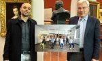 Filippo Berta dona una sua opera al museo civico