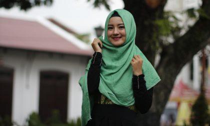 """""""Fotografi le nostre mogli col velo"""", islamici picchiano il postino"""
