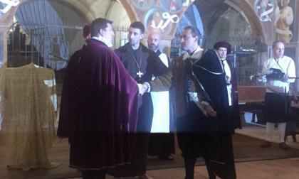 """""""I misteri del pozzo"""" conquista il pubblico, sul palco anche i sindaci di Caravaggio e Treviglio FOTO"""