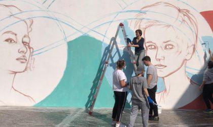 Murales dei diciottenni per celebrare la costituzione