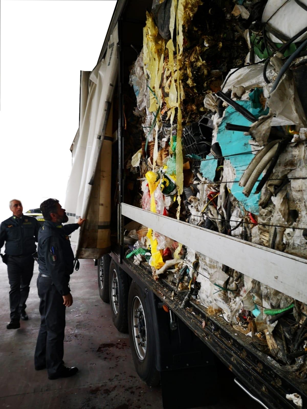 rifiuti illegali