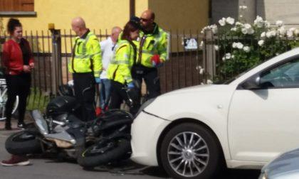 Scontro tra auto e moto a Fara d'Adda, ferito un 22enne FOTO