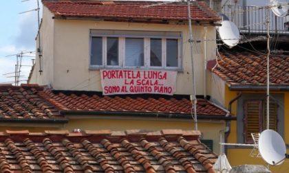 Striscione su Salvini a Firenze, sfottò al ministro dopo il caso Brembate