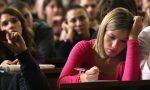 Giovani italiani: troppo lontani dai coetanei europei, povertà educativa