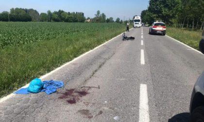 Ciclista investito a Torlino Vimercati, operato alla spina dorsale