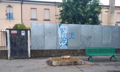 """La scritta """"W il duce"""" è ancora lì a Trescore Cremasco"""