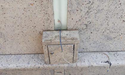 Nuovo atto vandalico su una tomba del cimitero di Gradella