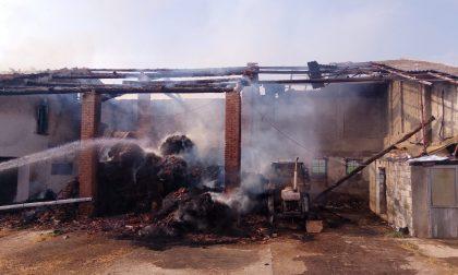 Incendio in cascina a Torre Pallavicina, danni ingenti ma nessun ferito FOTO