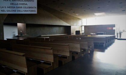 Troppo caldo nella nuova chiesa, le messe traslocano all'oratorio