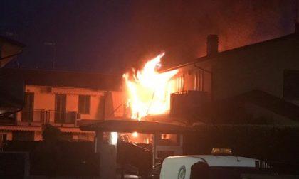 Terribile incendio a Mozzanica: villetta va a fuoco  FOTO