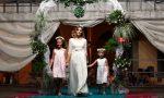 Abiti da sposa d'epoca sfilano alla festa patronale di Fara d'Adda FOTO
