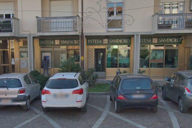 Banca Intesa lascia Pontirolo: sportello chiuso dal 21 settembre