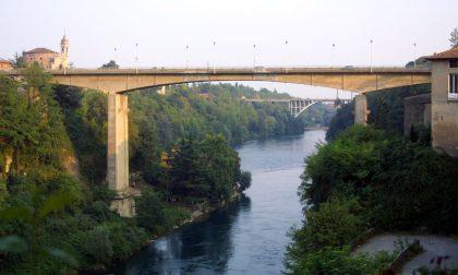 Ordigno bellico nel fiume,  operazioni di recupero a Trezzo