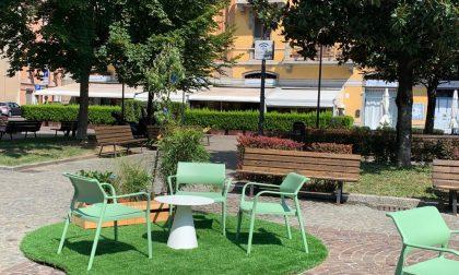 "Ferretticasa ""arreda"" una piazza di Bergamo"