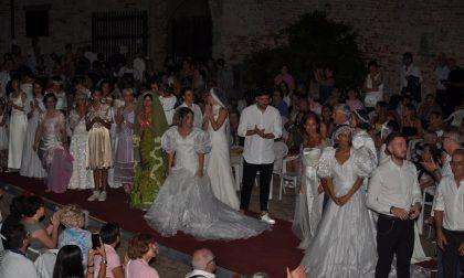 Spose amatoriali sfilano per una raccolta fondi solidale - FOTO