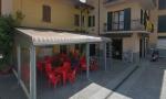 Rissa in piazza a Ciserano, barista presa a pugni in faccia