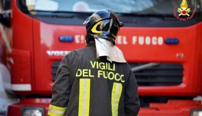 Notte agitata per un principio di incendio a Cassano