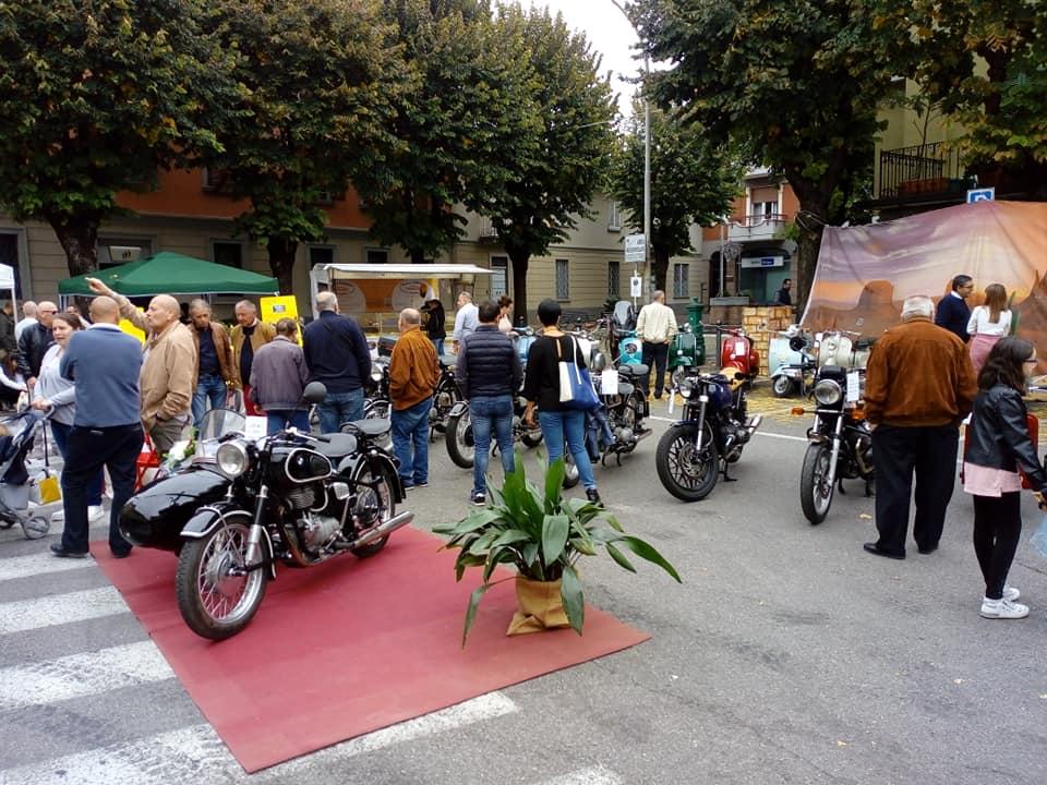 Alla sagra di Vailate una mostra espositiva di motociclette FOTO - Giornale di Treviglio - Giornale di Treviglio