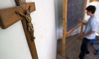 Mozione sui crocifissi a scuola, le minoranze abbandonano l'aula