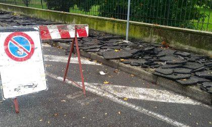 Completati i lavori per l'asfaltatura del marciapiede in via Tornaghi a Cassano d'Adda