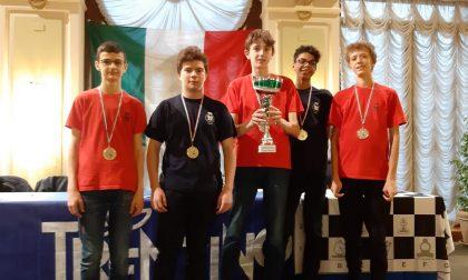 Fabio e Neven, due ciseranesi campioni italiani di scacchi under 16