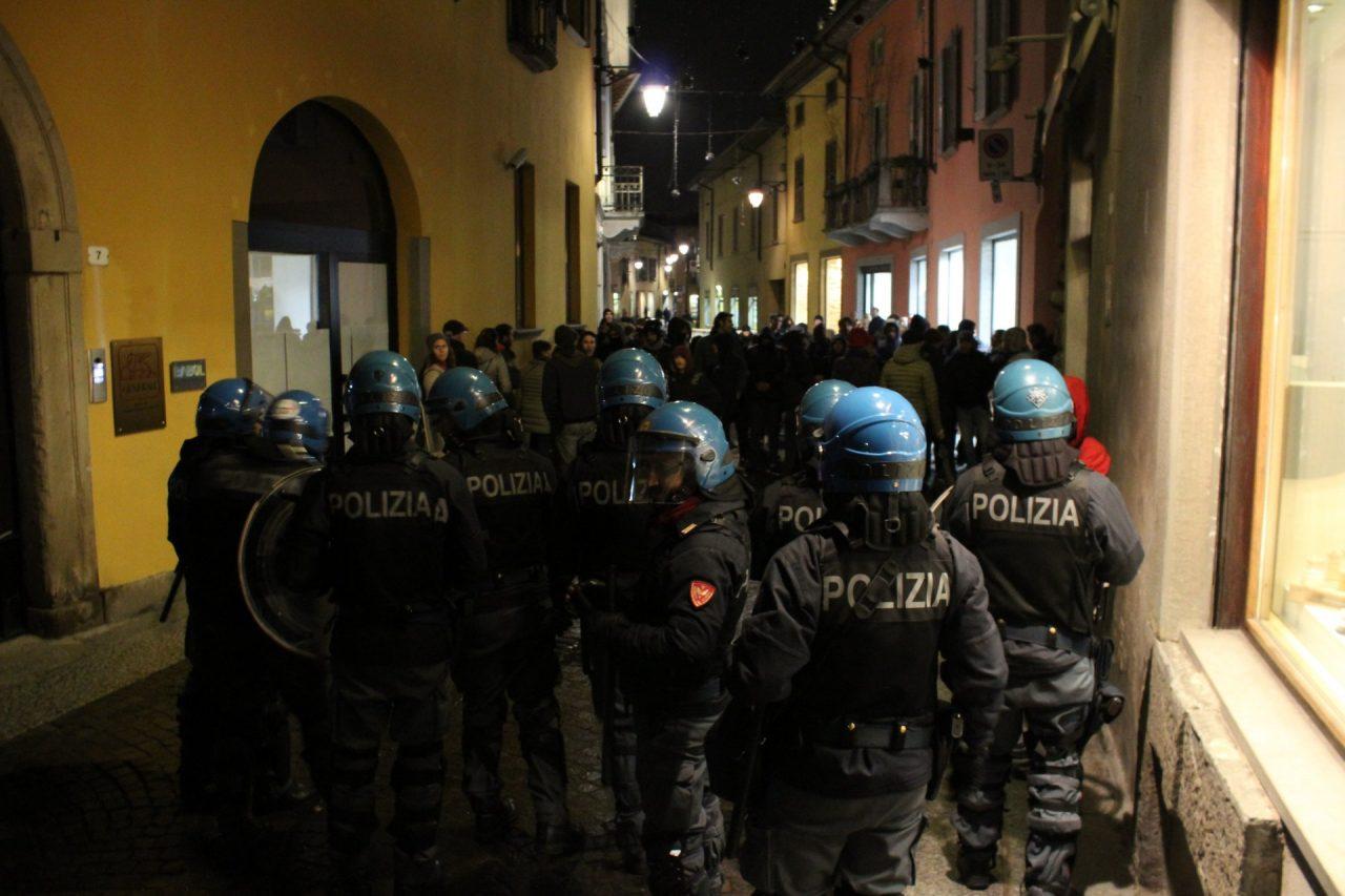 La polizia in via Galliari
