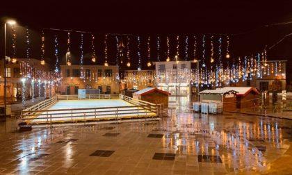 Setti contro  Don Sandro, parte la corsa al miglior  «Natale in piazza»