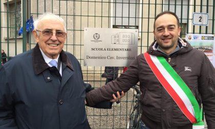 Una targa per ricordare l'ex sindaco Domenico Invernizzi FOTO