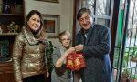 A Boltiere il sindaco-Babbo Natale consegna oltre cento panettoni agli anziani