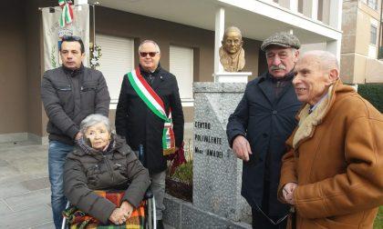 Intitolato al vescovo Amadei il centro polivalente di Pognano FOTO