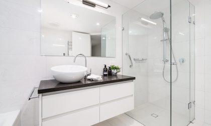 5 regole l'oro per arredare un bagno piccolino