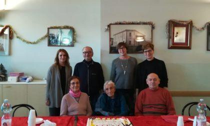 Pontirolo festeggia la sua decana: cento anni per Giovannina FOTO