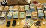 Arsenale dello spaccio, beccato con  2 chili di cocaina e 100mila euro in contanti: in manette