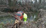 Fuori strada tra Treviglio e Pontirolo, l'auto finisce nella roggia FOTO
