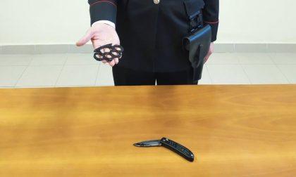 Minacciato col coltello da giovani rapinatori, due minori arrestati a Crema