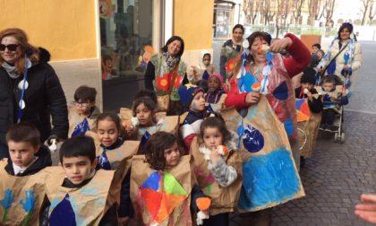 E' Carnevale: i bimbi del Cerchio Magico fanno ballare anche il sindaco VIDEO FOTO
