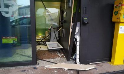 Assalto alla Bcc di Pontirolo, i ladri fanno saltare il bancomat FOTO