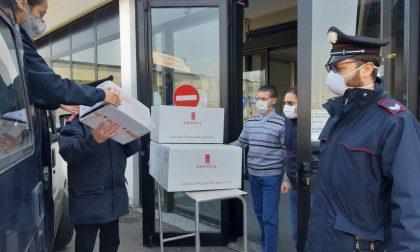 In aiuto a ospedali e malati, i carabinieri consegnano anche i farmaci