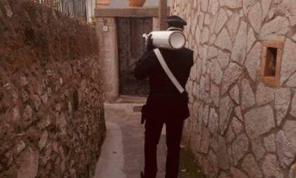 Manca l'ossigeno, carabinieri impegnati per recuperare e rigenerare le bombole