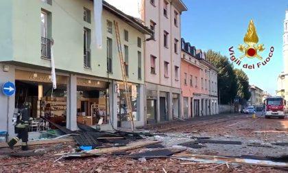 Seriate, esplode palazzina: muore un 27enne, ferita la vicina VIDEO FOTO