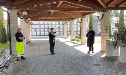 A Pontirolo sindaco e parroco commemorano insieme i defunti