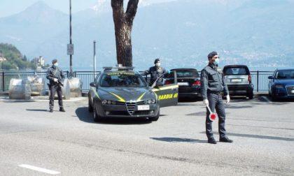 Dalla Germania sul lago di Como per festeggiare il compleanno, denunciati