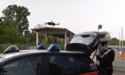 Evade dai domiciliari, pizzicato col drone