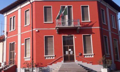 Via la bandiera europea dal Municipio di Agnadello, minoranza sulle barricate