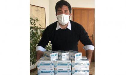 Mille euro per la Croce Bianca di Rivolta e distribuzione di mascherine ai cittadini