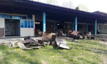 Un incendio distrugge il centro Scout di Cassano d'Adda FOTO