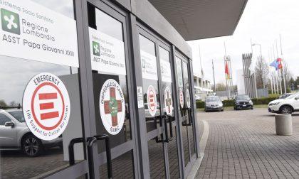 Oltre 4mila contagi in Lombardia, riaprono gli ospedali in fiera a Bergamo e Milano